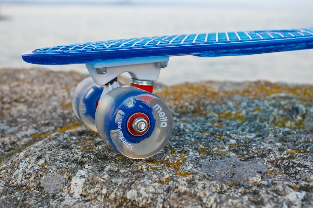 Mello Skateboard - Blueberry Wheels